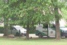 Policija patruliuoja prie Jurbarko mokyklos (nuotr. TV3)