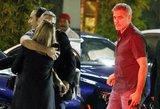 Laukia skyrybos? Vedęs George'as Clooney'is pričiuptas ne žmonos glėbyje