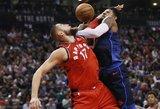 """Įspūdingoje kaktomušoje Joną Valančiūną ir """"Raptors"""" pribloškė Russello Westbrooko jėga"""