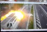 Milžinišku greičiu lėkusio milijardieriaus sūnaus sukelta avarija pateko į vaizdo kameras