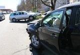 Vilniuje prieš vidurdienį – dvi avarijos, į ligoninę išvežta nėščia moteris