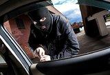 Lazdijų rajone sulaikytas apvogti automobilį norėjęs lenkas