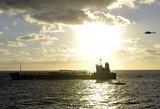 Pasiųstas karinis laivas išgelbėti piratų pagrobtus įkaitus