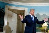 Pornofilmų aktorė toliau klampina D.Trumpą – štai ir Rusijos pinigai