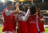 """""""Arsenal"""" išvykoje sutriuškino dešimtyje rungtyniauti likusį """"Eintracht"""""""