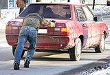 Pensijos bus kompensuojamos iš alkoholio akcizo ir automobilių mokesčio