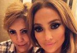 Seksualioji Jennifer Lopez – be makiažo: atrodo lyg 20-metė