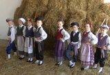 Išskirtiniai kadrai: parodė, kaip atrodys R. Karbauskio tautinių drabužių kolekcija