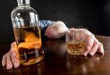 Priverstinis gydymas nuo alkoholizmo: išeitis ar problemos nesprendžiantis populizmas