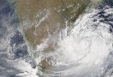 Masiškai evakuojami žmonės – galingas ciklono vėjas įsibėgės iki 200 km/h