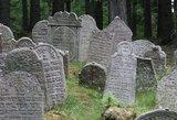 Vandalai išniekino 80 žydų kapų