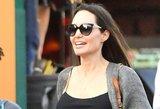 Angelina Jolie – geriausios formos: aktorė vis dažniau pastebima be liemenėlės