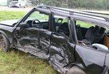 Baisi avarija Vilniaus pakraštyje: po stipraus smūgio – gąsdinantis vaizdas net gelbėtojams