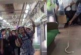 Vyras tapo interneto didvyriu: tai, ką padarė traukinyje, pradžiuginio visus