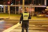 Sulaikomi asmenys priešinosi policijos pareigūnams pistoletu ir peiliu