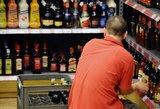 Lietuviams per kišenę kirs naujos baudos už alkoholio pardavimą
