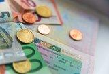 Svarbūs bankų patarimai, kaip atostogų metų išvengti finansinių problemų
