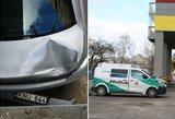 Vilniuje iš 5 aukšto ant BMW krito mergina: ji išgabenta į ligoninę