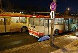 Šiurpi nelaimė Vilniuje – troleibusas sutraiškė po ratu papuolusį keleivį
