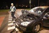 Vilniuje siautėjo girtas vairuotojas: sudaužyti trys automobiliai