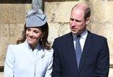 Internautai leipsta juokais: princas Williamas išradingai pašiepė neseniai tėvu tapusį Harry