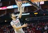 """Nugaros skausmų kamuojamas Donatas Motiejūnas neregistruotas, """"Rockets"""" šventė pergalę"""