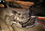 Avarija Olimpiečių gatvėje: girto vairuotojo visureigis rėžėsi į moters automobilį