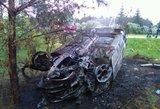 Kraupi nelaimė Kaišiadorių r.: iš degančio automobilio gelbėjo žmogų, vairuotojas – girtas