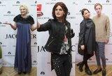 Iškilmingoje apdovanojimų ceremonijoje R. Kirilkinas išsiskyrė moterišku įvaizdžiu