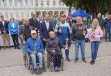 """Neįgalieji nesulaužė tradicijos ir į ralį """"Aplink Lietuvą"""" leidosi net negavę paramos"""