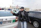 Vilniuje sulaikyti visai  girtas vairuotojas ir TV operatorių užpuolęs keleivis