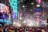 Pasaulis palydėjo nerimo kupinus metus ir pasveikino 2019-uosius