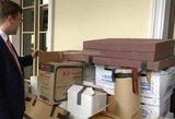 Savivaldybė atsiprašė ir Meko fondui grąžino paimtus daiktus