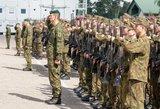 Kariuomenė: kariai nuo encefalito skiepijami, bet savanoriai kursą ne visad baigia