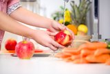 Apie šį būdą tikrai negirdėjote: nuo šiol tik taip plausite obuolius