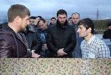 """Ramzanas Kadyrovas """"įkalbėjo"""" smogikų gaujos vadą pasiduoti grasindamas palaužti Korano citatomis"""