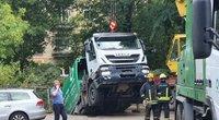 Kauno miesto kieme įgriuvo šiukšliavežė ( nuotr. autorių)