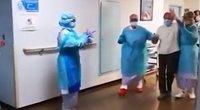 Youtube stopkadras. Senolė išlydima iš ligoninės.