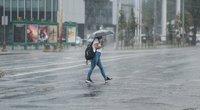 Vilnių skandina lietus (nuotr. Fotodiena/Justino Auškelio)