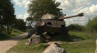 Ėmėsi tirti prieš 76-erius metus ant minos užvažiavusį tanką: sunerimo, ar šis negali šaudyti (nuotr. stop kadras)