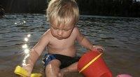 Vaikas paplūdimyje (nuotr. 123rf.com)