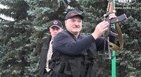 Automatu mosikuojantis Lukašenka: tapo pajuokos objektu, užkliuvo net ir Kremliaus politikams (nuotr. SCANPIX)