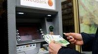 Pinigai, bankomatas (nuotr. Fotodiena/Justino Auškelio)