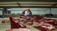 Covid-19 sukelta krizė skaudžiai smogė mėsos perdirbimo gamykloms (nuotr. SCANPIX)