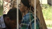 Nelegalų stovykloje – 16-metės migrantės persileidimas, kita moteris patyrė priešlaikinį gimdymą (nuotr. stop kadras)