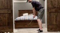 Karantinas amerikietį pavertė įžymybe: atlieka įspūdingus triukus namuose