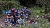 Migrantai Lenkijos-Baltarusijos pasienyje (nuotr. SCANPIX)