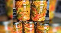 """Aštrios agurkų, paprikų, morkų salotos žiemai su korėjietiškais prieskoniais (nuotr. Facebook/""""Vakavimas.lt"""""""