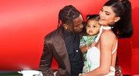 Kylie Jenner ir Travis Scott su dukra Stormi (nuotr. SCANPIX)