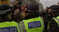 Angliją drebina protestai (nuotr. stop kadras)